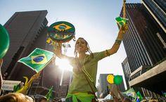 Manifestação contra a presidente Dilma Rousseff na avenida Paulista Leia mais