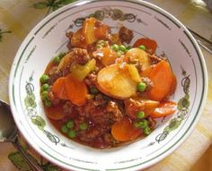 HAMBURGER STEW.    I made this for a crowd of VERY hungry people  and everybody came back for seconds!!