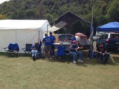 #NEATFair Crew and relaxin'.  They really did a wonderful job as always!  #RCPlanes #killerplanes #crashproofing