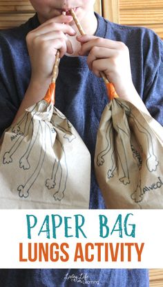 Cool human body activity for kids - Make your own paper bag lungs activity - Learn about the human body and see how the lungs work and the correct names for their anatomy. Kindergarten Science Activities, Homeschool Science Curriculum, Fun Activities For Kids, Stem Activities, Elementary Science, Teaching Science, Elementary Schools, Homeschooling, Teaching Ideas