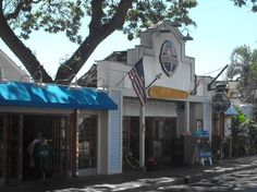Photos of Bubba Gump Shrimp Co, Lahaina - Restaurant Images - TripAdvisor. --- a great place for the kids
