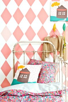 Color Inspiration by 101 Woonideeen Magazine Pretty girls room! Girls Bedroom, Bedroom Decor, Coral Bedroom, Nursery Decor, Wall Decor, Wall Art, Deco Kids, Deco Retro, Little Girl Rooms