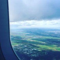 """On décolle les amis !!!!! Direction les Pays-Bas, le choix de Stéphanie pour cette  première semaine de notre jeu de l'été """"Welcome to"""" ! On espère que le vol vous a été agréable et que ce petit pays saura vous inspirer de bien jolies créations ! Plus d'infos sur le blog ! #Welcometo #KesiArt #jeudelété"""