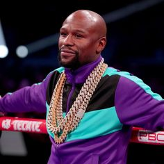 A heated argument between retired boxer Floyd Mayweather Jr. and a jewelry store owner in Miami, Florida, on Thursday resulted in a call to police, according to TMZ Sports . Mayweather had reportedly left by the time law enforcement arrived. Floyd Mayweather, Lebron Kobe Jordan, Ufc Boxing, Police Call, Vegas Style, Beautiful Mind, Champs, Jewelry Stores, Athlete