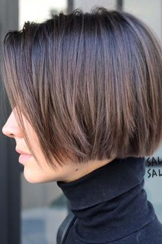 Chic Gray Blunt Haircut - 50 Spectacular Blunt Bob Hairstyles - The Trending Hairstyle Bob Haircuts For Women, Short Bob Haircuts, Haircut Bob, Haircut Styles, Blunt Bob Hairstyles, Hairstyles Haircuts, Modern Bob Hairstyles, Stylish Haircuts, Elegant Hairstyles