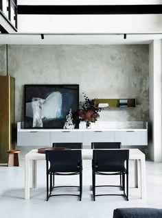 See the finalists of the 2016 Australian Interior Design Awards residential design category. Australian Interior Design, Interior Design Awards, Dining Room Design, Dining Room Furniture, Melbourne House, Piece A Vivre, Deco Design, Design Art, Interior Architecture