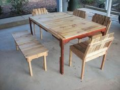 """patio set from pallets..pinned to """"it's a Pallet Jack"""" by Pamela"""
