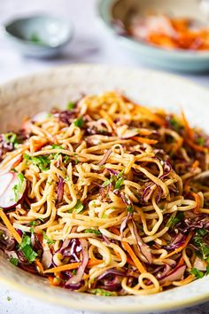Cold Asian noodle salad with red cabbage carrots radishes in spicy peanut dressing. Asian Noodle Recipes, Asian Recipes, Ethnic Recipes, Rice Noodle Recipes, Vegetarian Recipes, Cooking Recipes, Healthy Recipes, Healthy Food, Chow Mein
