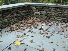 new england fieldstone wall with bluestone cap - Google Search Arden Garden, Rock Wall Gardens, Outdoor Walls, Outdoor Patios, Natural Stone Wall, Bluestone Patio, Wall Seating, Backyard Makeover, Fire Pit Backyard
