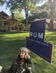 xRUMx - Captain Jack Sparrow says, Vote RUM ~ Make America great again! Funny Shit, The Funny, Funny Memes, Hilarious, Funny Stuff, Odd Stuff, Funniest Memes, Crazy Funny, Daily Funny