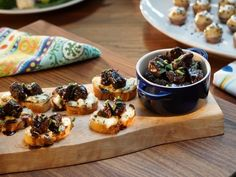Glazed Short-Rib Crostini : Layer sweet glazed short rib and a decadent blue cheese spread for anhors d'oeuvre that is sure to impress your guests.
