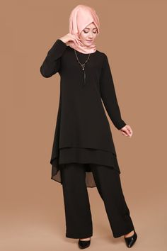 Miray Chiffon Detail Set with Necklace 2 Piece Black Product code: -> . Stylish Dresses For Girls, Modest Dresses, Casual Dresses, Beautiful Dress Designs, Most Beautiful Dresses, Abaya Mode, Mode Hijab, Dress Shirts For Women, Clothes For Women
