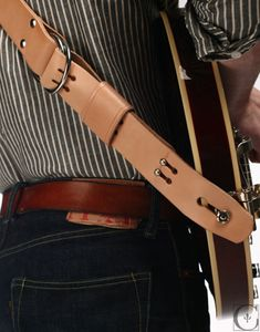 Context Leather Guitar Strap - nice detail