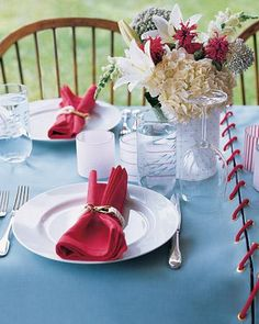 Outdoor Decorating Ideas for the Summer - Perfect for protecting your picnic table from barbecue spills and stains: Ours is made from a series of canvas panels laced together with cord.