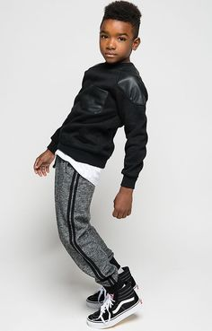 Runner Up Striped Joggers Details You've got to crush the competition. The Runner Up Striped Joggers are made in a soft cotton blend, with an elastic waistband, fitted cuff trim and relaxed jogger silhouette. Tween Boy Fashion, Tween Boy Outfits, Outfits Niños, Little Boy Outfits, Fashion Kids, Tween Boy Clothes, Trendy Outfits, Trendy Jeans, Guy Fashion