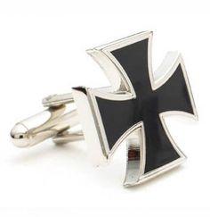 Preciosos gemelos con la Cruz de Hierro, que es la cruz de los motoristas. Para aquellos que quieren dejar claras su pasión modera aunque vaya de traje