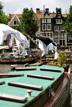 Holland -Amsterdam - Westerdok - canal - house - boat By: Lisette Eppink