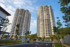 Why a Condominium Is the Best Housing Unit - Word Camp Buying A Condo, Home Buying, Lots Of People, Lots Of Money, Home Ownership, Types Of Houses, Condominium, Skyscraper, How To Find Out