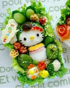 """Found an another great Bento = Lunch box. """" Hello Kitty Bento """" Wow it is really cute also used a lot of vegetable so good for health too. All the Mom. L'art Du Sushi, Arte Do Sushi, Sushi Art, Kawaii Bento, Cute Bento Boxes, Bento Box Lunch, Lunch Boxes, Box Lunches, Bento Food"""