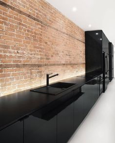 Kitchen design ideas this year. Are you looking for inspiration for your home kitchen design? Take a look at the kitchen design ideas here. There is a modern, rustic, fancy kitchen design, etc. Interior Design Kitchen, Modern Interior, Interior Architecture, Room Interior, Kitchen Designs, Architecture Life, Black Interior Design, Farmhouse Interior, Minimalist Interior