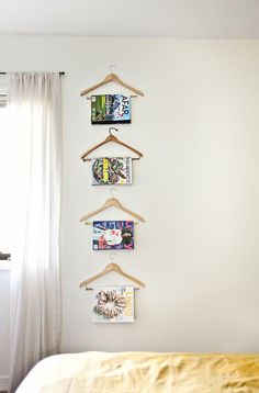 I love this! One way to have your magazines in order and it is also a pretty display!
