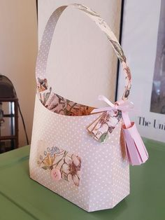 Hobo bag, designed by Mary Rudakas of SVG Cuts. Created using patterned paper by Graphic 45.