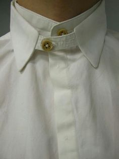 Love zoom detail, could be hair, a hard hold the bag - mens white shirts, wholesale shirts, white button down short sleeve shirt *ad Fashion Details, Look Fashion, Fashion Outfits, Womens Fashion, Fashion Design, Net Fashion, Classic Fashion, Fashion Hair, Unique Fashion