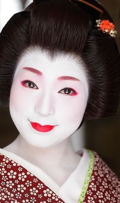 halloween makeup ideas and looks halloweenfall pinterest geisha makeup makeup and halloween makeup