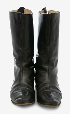 Manolo Blahnik Black Boot   VAUNTE