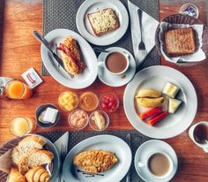 We had the best breakfast in Praslin Island (Seychelles) at Chalet cote Mer. Waking up in the morning and enjoying a delicious coffee and some really generous and healthy  breakfast was the best part of the day! Loved that corossol (soursoup fruit) jam, it was so different and so tasty!