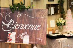 Stand salon du mariage soultz Décoration / papeterie : Aujourd'hui c'est…  Wedding cake : L'art du gâteau Photos : Gérald Cometto Photographe Colmar Alsace Fleurs : Nathur'Eléments