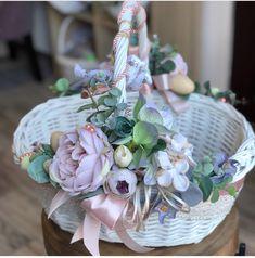 Fruit Flower Basket, Flower Girl Basket, Easter Tree, Easter Wreaths, Wedding Gift Baskets, Wedding Gifts, Edible Bouquets, Blush Wedding Flowers, Animal Crafts For Kids
