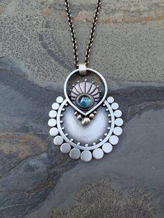 Jewelry | Jewellery | ジュエリー | Bijoux | Gioielli | Joyas | Art | Arte | Création Artistique | Artisan | Precious Metals | Jewels | Settings | Textures | sasha bell jewelry