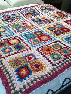 Ravelry: Mayvalley's Granny square blanket