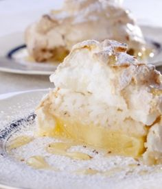 Creamed rice and pineapple meringue