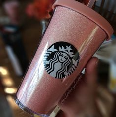 Starbucks Pink Glitter and Sequin Tumblers.I love this cup Starbucks Tumbler Cup, Copo Starbucks, Custom Starbucks Cup, Starbucks Secret Menu, Starbucks Drinks, Pink Starbucks Cup, Starbucks Water Bottle, Hot Coffee, Coffee Drinks