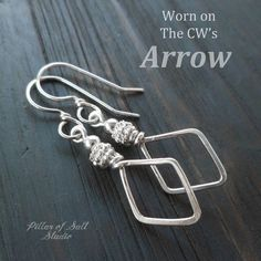 Items similar to Sterling Silver jewelry handmade wire wrapped earrings - handcrafted hammered silver jewelry - diamond shape - worn on Arrow Felicity Smoak on Etsy Leaf Jewelry, Wire Jewelry, Jewelry Rings, Silver Jewellery, Diamond Jewelry, Gemstone Jewelry, Jewlery, Wire Wrapped Earrings, Sterling Silver Earrings