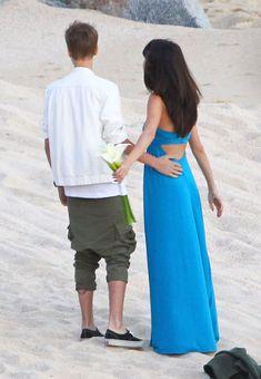 Selena Gomez Kiss, Selena Gomez Concert, Justin Bieber Selena Gomez, Justin Bieber And Selena, Justin Bieber Kissing, Mexico Pictures, Justin Bieber Wallpaper, Marie Gomez, Friend Wedding