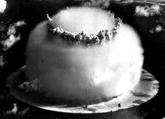 Test Nuclear Bombs, Bikini atoll in the Marshall Islands on July 1946 Bomba Nuclear, Nuclear Test, Nuclear Bomb, Nuclear Energy, Henry Kissinger, Hiroshima, Nagasaki, Operation Crossroads