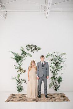 Organic bohemian wedding inspiration | Photo by Apryl Ann Photo | Read more -  http://www.100layercake.com/blog/wp-content/uploads/2015/02/Organic-Boho-wedding-inspiration