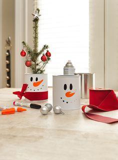 Quick Christmas Craft Idea: Paint Can Snowman Centerpiece