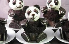 Funny pictures about Oreo Panda Cupcakes. Oh, and cool pics about Oreo Panda Cupcakes. Also, Oreo Panda Cupcakes photos. Panda Cupcakes, Beer Cupcakes, Fun Cupcakes, Cupcake Cakes, Cup Cakes, Cupcake Ideas, Amazing Cupcakes, Animal Cupcakes, Chocolate Cupcakes