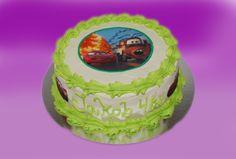 Og lynet kakene kan varieres i det uendelige.  Kan lages både som sjokoladekake og marsipanbløtkake. Ta kontakt for mer info på post@bellakaker.no eller ta en titt på websiden min www.bellakaker.no