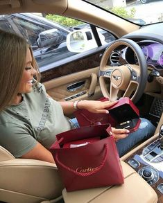 Find the best and most luxury goods inspiration for your next interior design pr… - Beste Just Luxus Boujee Lifestyle, Wealthy Lifestyle, Luxury Lifestyle Fashion, Billionaire Lifestyle, Luxury Fashion, Mode Kylie Jenner, Flipagram Instagram, Luxury Girl, Luxe Life