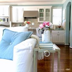 Love the open floor plan in this beautiful home tour of Wicks Nest eclecticallyvintage.com