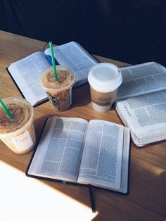 How bible study looks Bibel Journal, Study Hard, Studyblr, Study Notes, Study Motivation, Study Tips, College Life, Book Worms, Faith