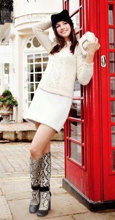Anne Hathaway in London! (Harper's Bazaar, August Anne Hathaway in London! (Harper's Bazaar, A Actriz Anne Hathaway, Anne Hathaway Style, Anne Hathaway Legs, Anne Jacqueline Hathaway, Anne Hattaway, Best Hair Stylist, Hair Stylists, Fashion Articles, Fashion News