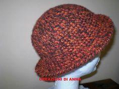 Cappello in lana fantasia marrone/nero fatta a mano _uncinetto