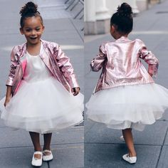 Kid unleashing her inner Carrie Bradshaw. #perfectBallerina #scoutstyle #scoutthecity #miniblogger