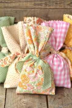 DIY: easy no-sew favor bags